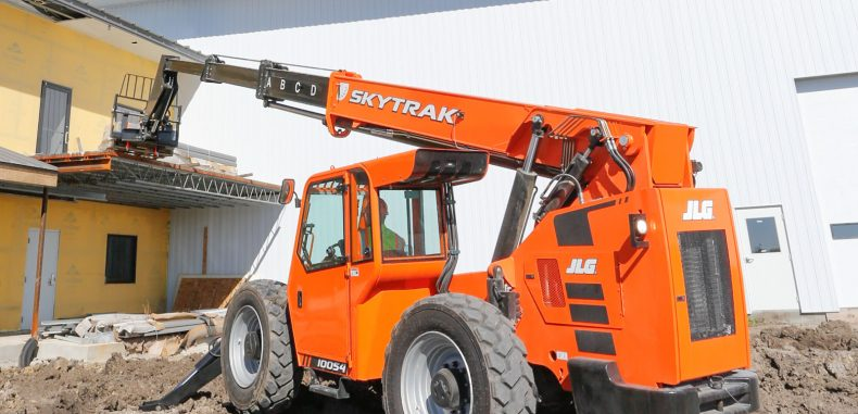 Non-Marking Tires Now Available for JLG and SkyTrak Telehandlers
