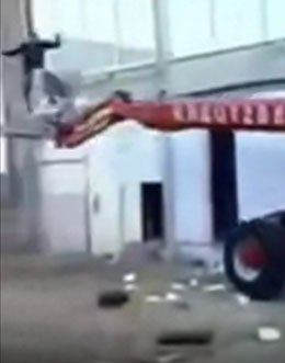Scissor lift FAIL, it's superman!