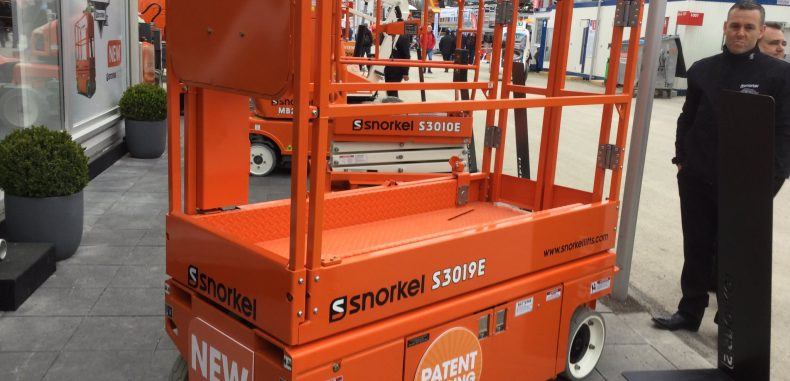 New Snorkel 19ft Slab Electric Scissor Lift